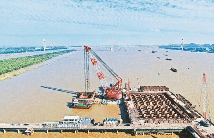 巢马城际铁路马鞍山长江公铁大桥关键控制性工程顺利对接