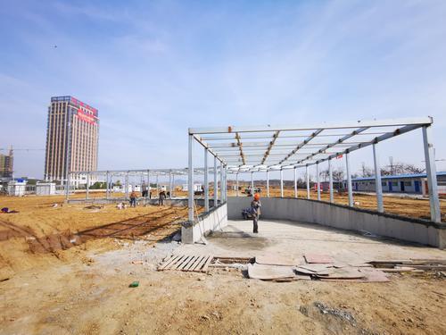 秀山新区公共停车场主体工程完工 预计明年可投入使用